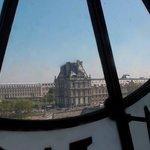 Olha lá ,o Louvre