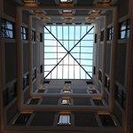 Glastaket ovanför receptionsområdet