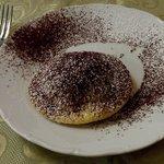 Seada al cioccolato. Ciliegina al cioccolato di un gran pranzo di Ferragosto.
