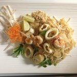 Mixed Seafood Pad Thai