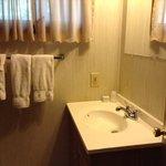 Bathroom 4 bed log cabin
