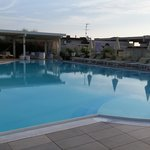 piscina riscaldata con tanto di centro benessere. ..