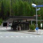 Schweizer Grenzübergang mit Tunnel