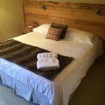 Кровать; номер 6, верхний этаж под крышей