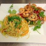 Crevettes Sel/Poivre et ses Nouilles Viet aux légumes