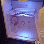 En el minibar había agua y zumo... estamos en crisis! (habitación 442)