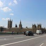 Palazzo di Westminster dall'altro lato del Thames