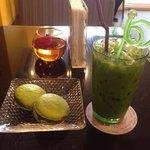 Enjoy milk green & Macarron green tea