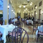 Tische im Restaurant