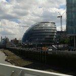 Le City Hall vu du HMS BELFAST