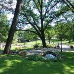 Parque ao redor do Freedom Monument