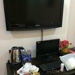 ホテルの部屋のテレビ。日本のテレビうつらない。