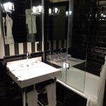 Bathroom with Miller Harris amenities