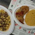 Porzione di gnocchi con porcini e salsiccia eccezzionale e frico e polenta altrettanto buoni