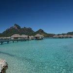 vista degli Overwater dal centro del Resort
