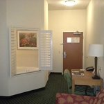 Entry way and shutters (into the bathroom) - Room 131