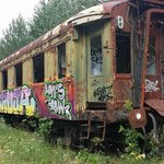 Wagon de voyageurs à l'abandon