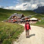 Mariele vor der Salei-Hütte