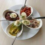 pickled herring / sildetallerken