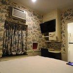 Queen room 201