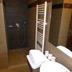 erg fraaie badkamer in de tweepersoonskamer