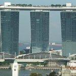 25e verdieping balkon uitzicht naar Marina Bay