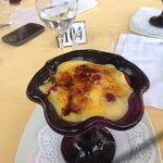 Клубника под каталонским соусом