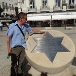 Paolo showing us the memorial to the Jewish victims of the 1506 massacre in Lisbon.