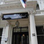 porta del queen s gate hotel