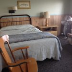 Queen bed in cabin 10. Full size bed is this room also.