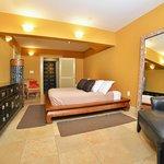 Bedroom of Deluxe 1 bedroom Ocean Front: Ocean Sun suite