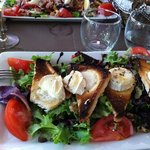 Delicious goat cheese salad