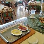 Le buffet du petit déjeuner quasi complet !  Une honte.  Pas digne d'un 4 étoiles.  Quelle décep