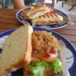 L'endroit à ne pas louper à Kampot si on veut bien manger pour pas cher. Un endroit propre où on