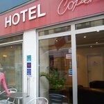 De ingang van hotel Copenhagen