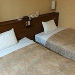 和洋室のベッド側です
