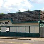 Chick-a-dee's Family Restauran - Side Vine street