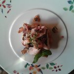 Smuha královská, baby kalamáry, letní bramborový salát a omáčka Vierge