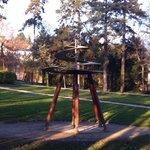 Jardim com uma das invenções!