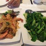 Oatmeal prawn and vegetable
