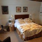 Queen Anne (Room 7)