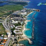 Hotel located in the best area: Mambo Beach Boulevard with Shopping Mall, Sea Aquarium/Dolphins