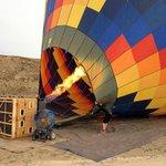 Der Heissluftballon wird startklar gemacht