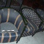 fauteuils de la discothèque (beurk)