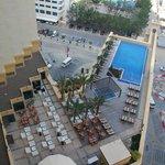 Poolområdet fra hotelværelset