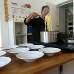 Antonio Gelli mixing the pasta to serve!