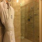 Triangular bathroom shower