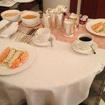 Mesa de café da manhã para quem precisa tomar antes das 6:00- vc escolhe o que quer comer