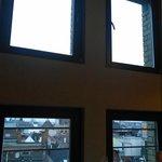 Joguinho de janelinhas duplas com vista diferencial da parte externa