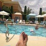 suite guest pool
